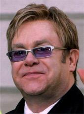 Elton John exige el cierre de Internet por 5 años o más